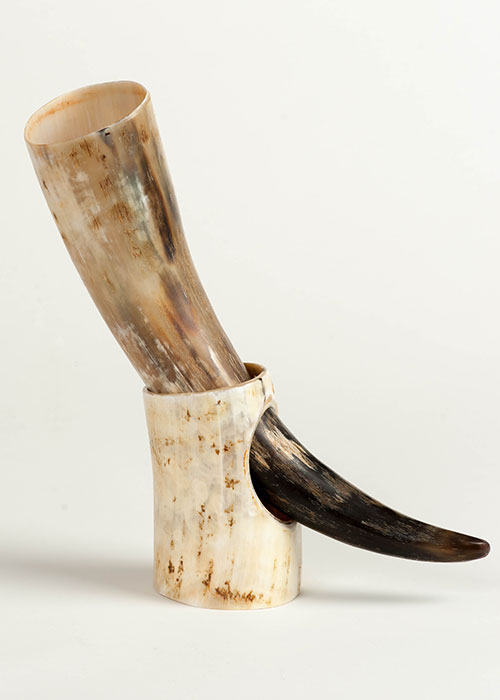 Abbeyhorn Drinking Horn on Stand
