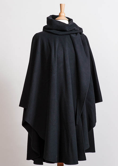 Soft Wool Cape - Black